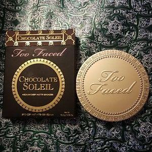 Chocolate Soleil medium/deep bronzer by too- faced